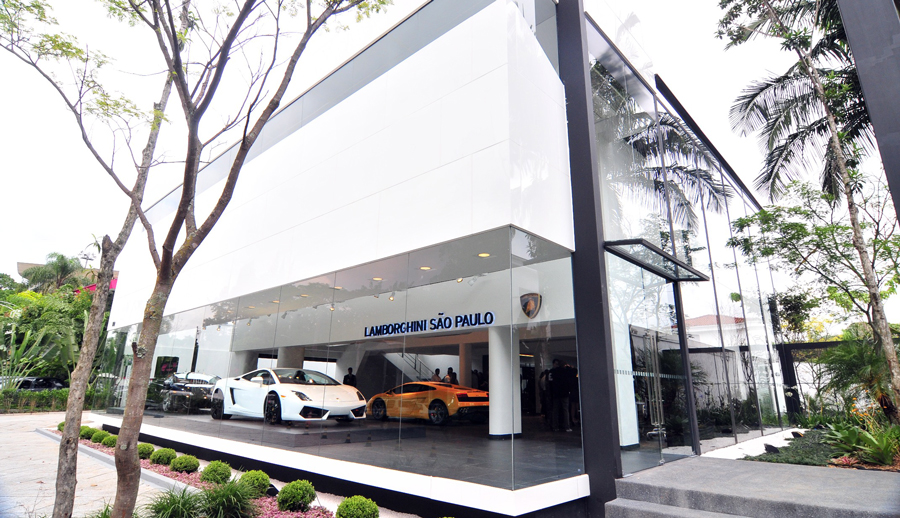 Lamborghini sales head south (..of the equator)
