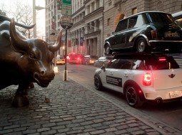 MINI NYC stunt4 255x190 MINI Countryman re enacts SUV stunt