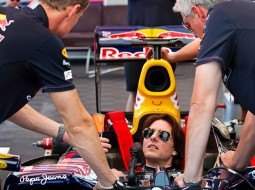 redbull tomcruise F1 G1 255x190 Tom Cruise drives a Red Bull Racing F1 car   Mission Impossible? Maybe not. (w/VIDEO)