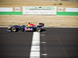 redbull tomcruise F1 G3 255x190 Tom Cruise drives a Red Bull Racing F1 car   Mission Impossible? Maybe not. (w/VIDEO)