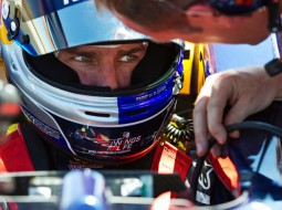 redbull tomcruise F1 G4 255x190 Tom Cruise drives a Red Bull Racing F1 car   Mission Impossible? Maybe not. (w/VIDEO)