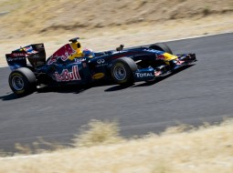 redbull tomcruise F1 G5 255x190 Tom Cruise drives a Red Bull Racing F1 car   Mission Impossible? Maybe not. (w/VIDEO)