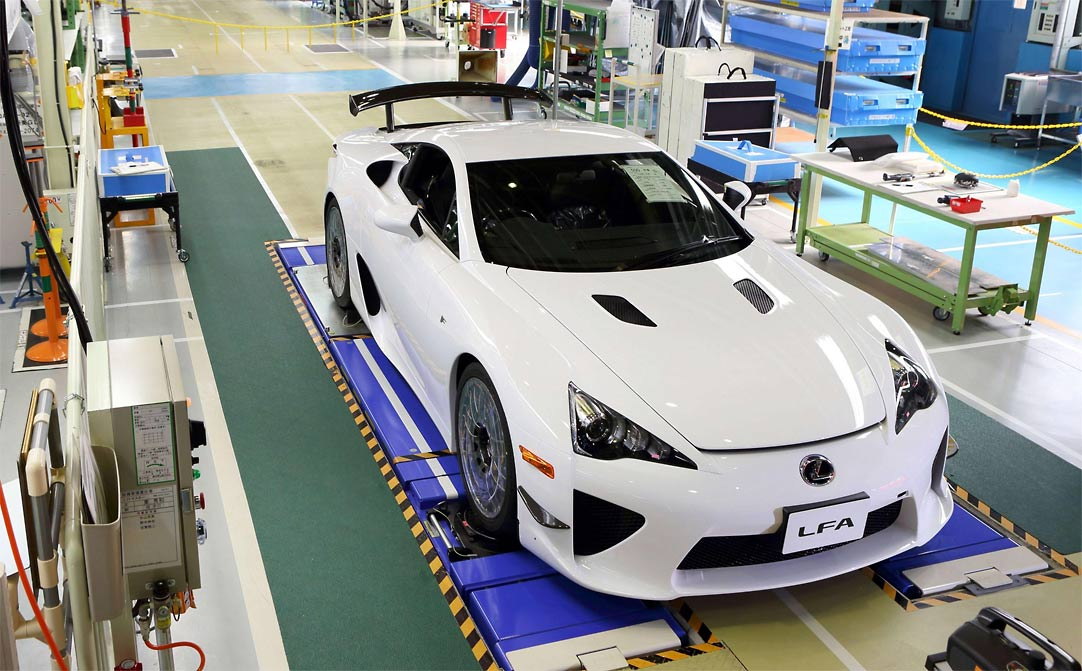 Lexus LFA Endof Production G0 Lexus LFA bows out of production, but when will it return? (w/VIDEO)
